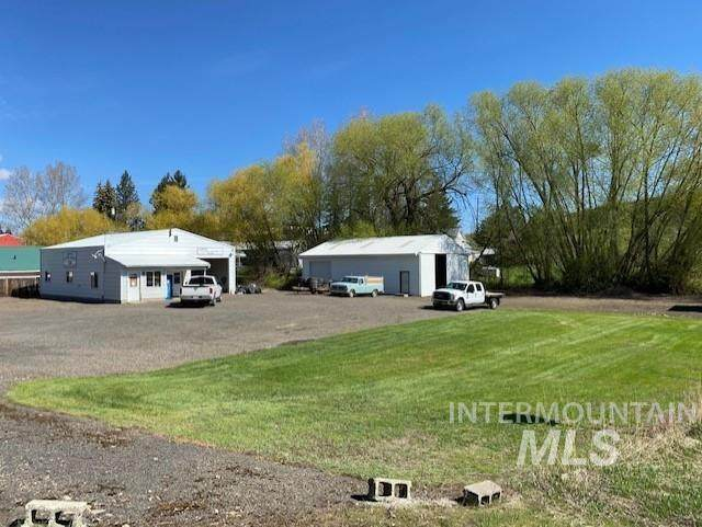 208 Main St, Cottonwood, ID 83522 (MLS #98802420) :: Minegar Gamble Premier Real Estate Services