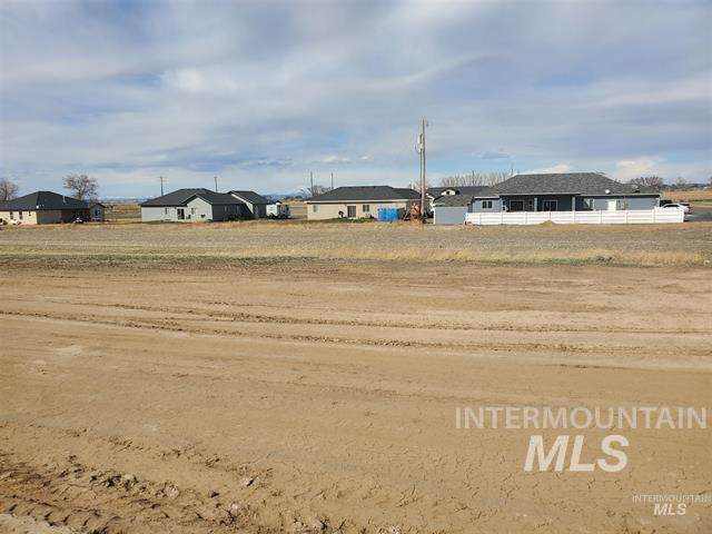 Approx 460 6th Ave W (Blk 13, Lots 15 & 16), Wendell, ID 83355 (MLS #98802515) :: First Service Group