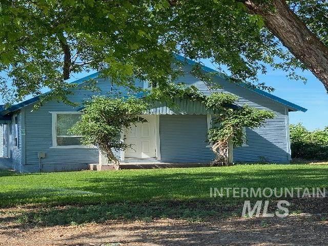 76 Juniper Road, Ontario, OR 97914 (MLS #98805513) :: Team One Group Real Estate