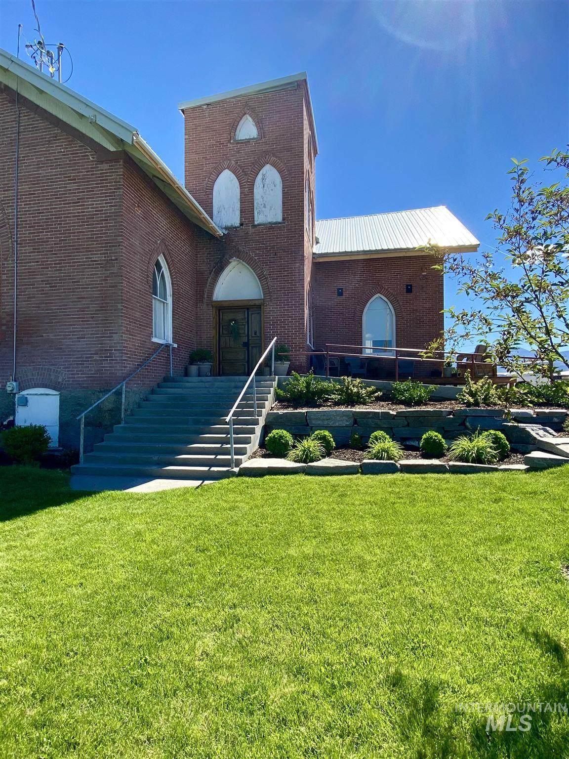 140 N Church Ave - Photo 1