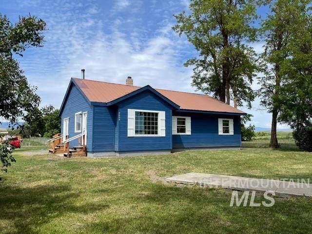 2698 W Valley Road, Midvale, ID 83645 (MLS #98806452) :: Beasley Realty