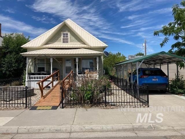 30 W Liberty, Weiser, ID 83672 (MLS #98806460) :: Haith Real Estate Team