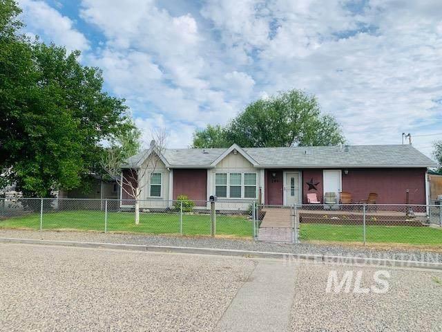 246 E C St, Vale, OR 97918 (MLS #98807985) :: Full Sail Real Estate