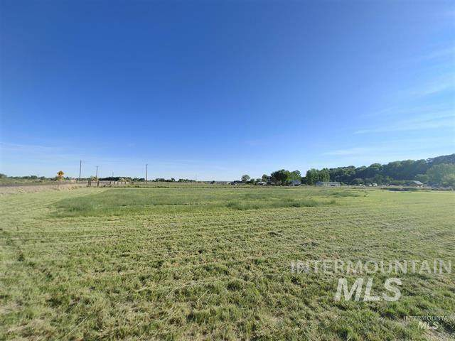 Lot 900 Foothill Drive, Ontario, OR 97914 (MLS #98809662) :: Haith Real Estate Team