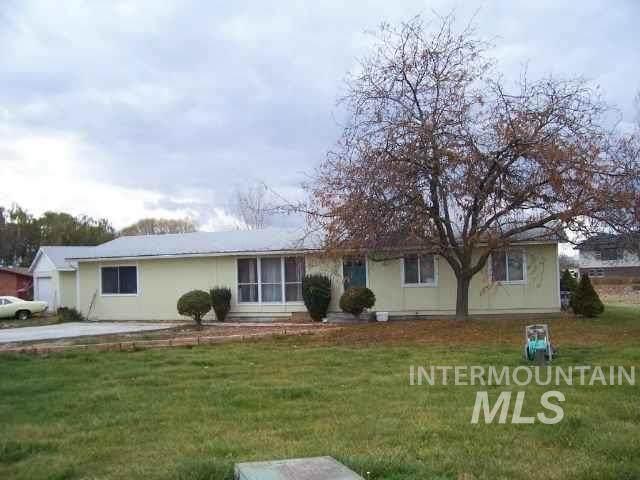 16589 Mahogany Dr, Nampa, ID 83687 (MLS #98811666) :: Bafundi Real Estate