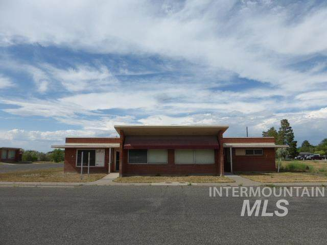 676 Shoup Ave W. Building #2, Twin Falls, ID 83301 (MLS #98811983) :: First Service Group