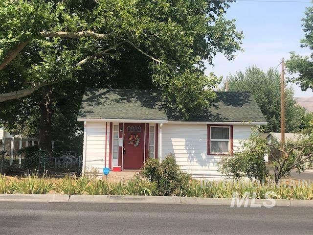 810 Elm St, Clarkston, WA 99403 (MLS #98812837) :: Epic Realty