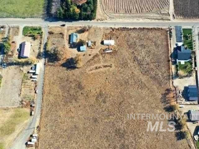 10879 N Iowa, Payette, ID 83661 (MLS #98813173) :: Haith Real Estate Team