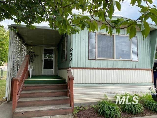 832 Hawthorne St, Lewiston, ID 83501 (MLS #98813394) :: Haith Real Estate Team