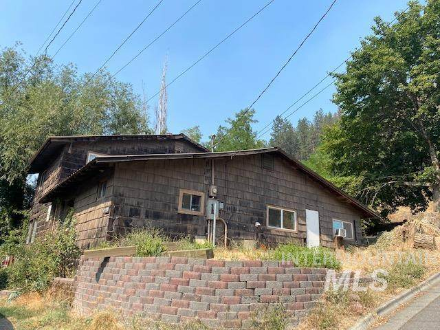 230 4th, Orofino, ID 83544 (MLS #98813511) :: Team One Group Real Estate