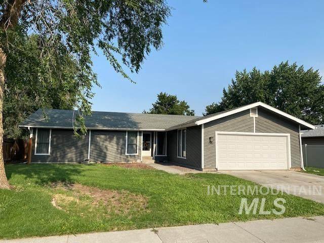 1330 N 9th East Street, Mountain Home, ID 83647 (MLS #98814046) :: Jon Gosche Real Estate, LLC