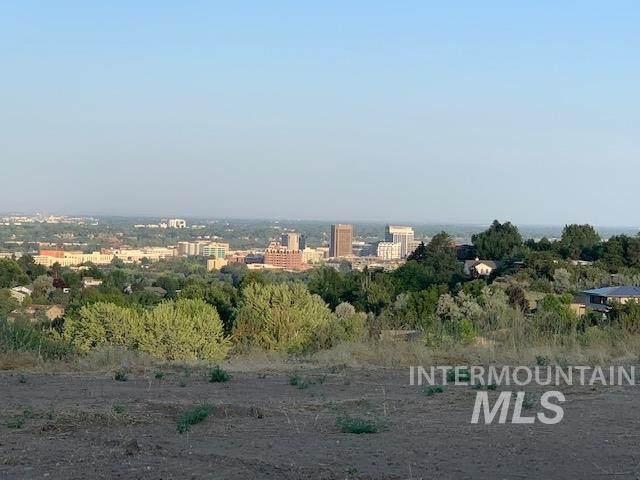 623 N Strata Via Way, Boise, ID 83712 (MLS #98815623) :: New View Team