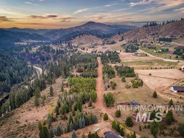 Lots 5-19 N Corral Flat Rd, Boise, ID 83716 (MLS #98815950) :: New View Team