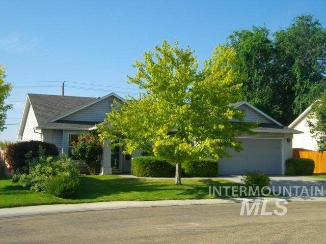 918 Springwater Court, Caldwell, ID 83607 (MLS #98817688) :: Full Sail Real Estate