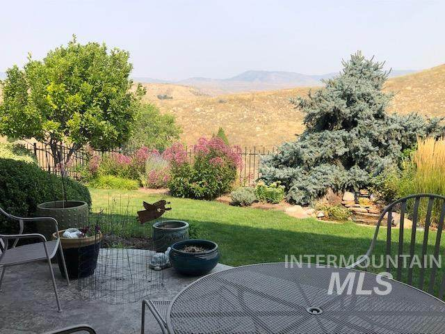 5136 N Arrow Crest Way, Boise, ID 83703 (MLS #98817877) :: New View Team