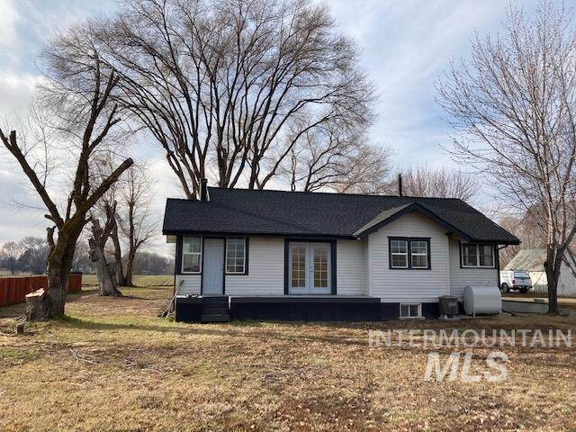 4511 Marble Front Road, Caldwell, ID 83605 (MLS #98819676) :: First Service Group