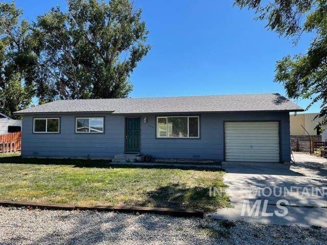 509 W Montana Ave, Homedale, ID 83628 (MLS #98819690) :: Build Idaho