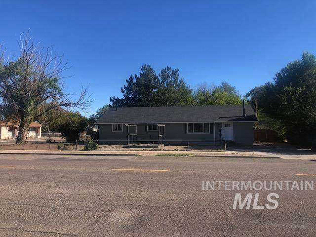 575 E 2nd S St., Mountain Home, ID 83647 (MLS #98819859) :: Epic Realty