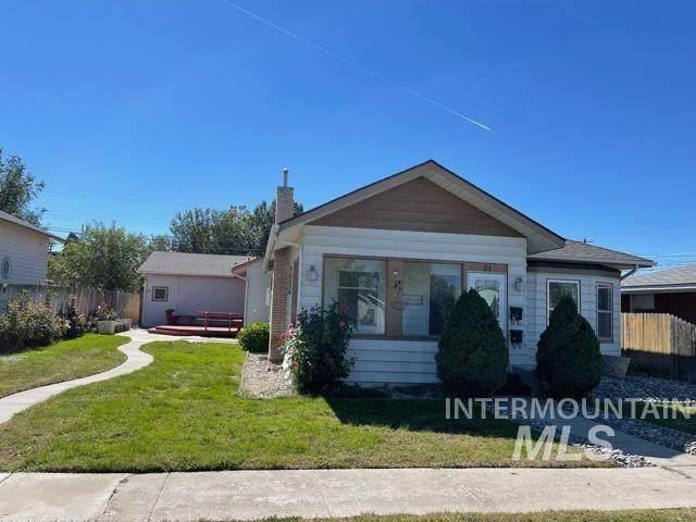 21 E State, Meridian, ID 83642 (MLS #98819951) :: Boise Home Pros