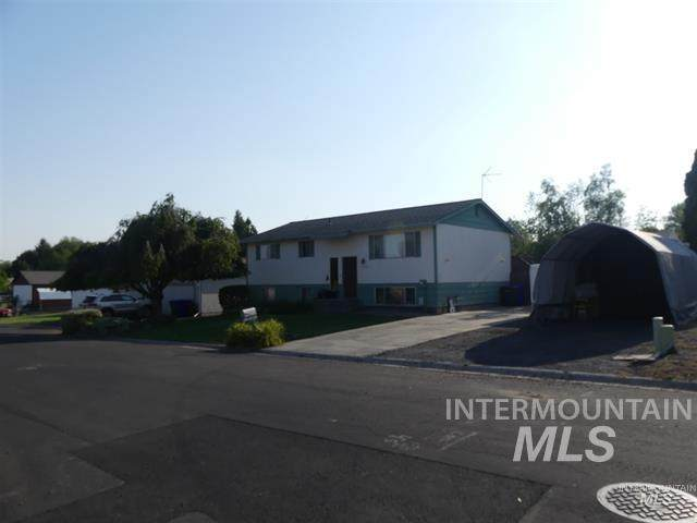 3728 17th Street B, Lewiston, ID 83501 (MLS #98820577) :: Michael Ryan Real Estate