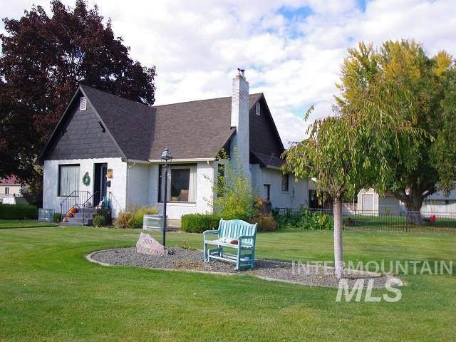 360 Pioneer Road, Weiser, ID 83672 (MLS #98822417) :: Minegar Gamble Premier Real Estate Services