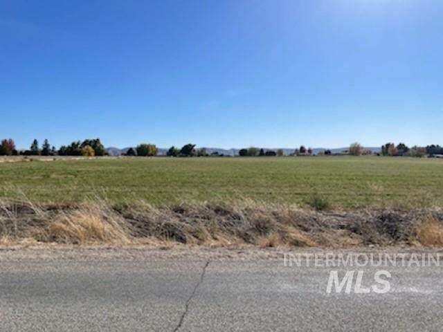 TBD Idaho Blvd 4.95 Acres, Emmett, ID 83617 (MLS #98822670) :: Story Real Estate