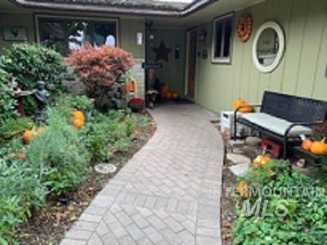 9444 Halstead, Boise, ID 83704 (MLS #98823336) :: Boise River Realty