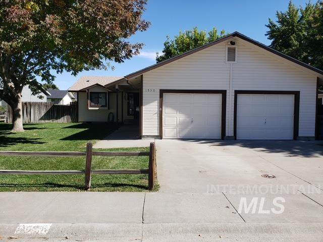1530 Rosewood, Mountain Home, ID 83647 (MLS #98823378) :: Minegar Gamble Premier Real Estate Services