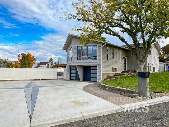 3555 Country Club Drive, Lewiston, ID 83501 (MLS #98823504) :: Minegar Gamble Premier Real Estate Services
