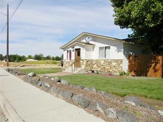 292 W Boise St, Kuna, ID 83634 (MLS #98667673) :: The Broker Ben Group at Realty Idaho