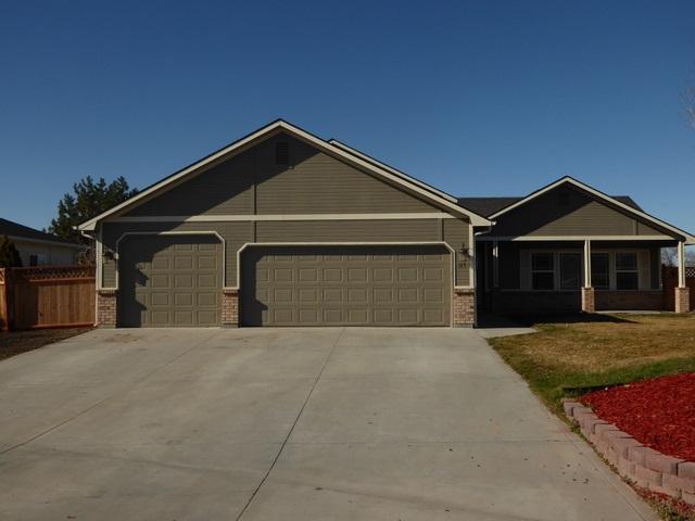 31 S Rolling Green Street, Nampa, ID 83686 (MLS #98682060) :: Jon Gosche Real Estate, LLC