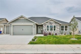 985 Birchton Loop, Twin Falls, ID 83301 (MLS #98686053) :: Juniper Realty Group