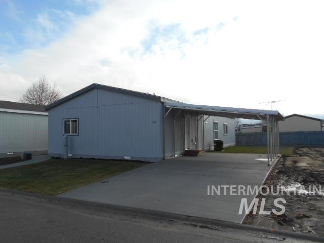 735 Independence Lane, Emmett, ID 83617 (MLS #98715177) :: Jackie Rudolph Real Estate