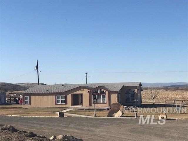 1624 Sand Hollow Rd, Vale, OR 97918 (MLS #98722421) :: Jackie Rudolph Real Estate
