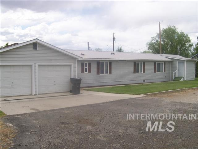 376 2nd Avenue South, Hagerman, ID 83332 (MLS #98725584) :: Juniper Realty Group