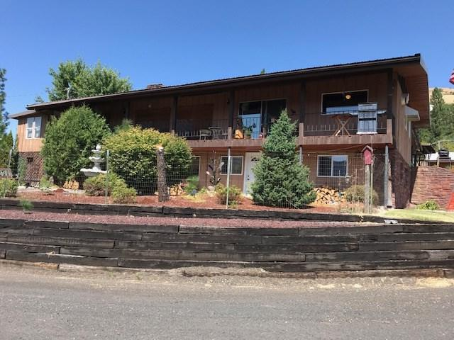 820 Bartlett Street, Orofino, ID 83544 (MLS #98740908) :: Boise River Realty