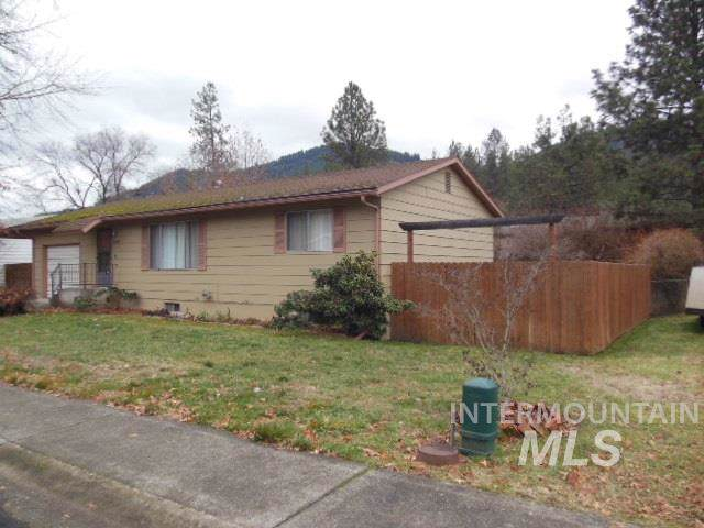 12440 Vista Avenue, Orofino, ID 83544 (MLS #98752805) :: Juniper Realty Group