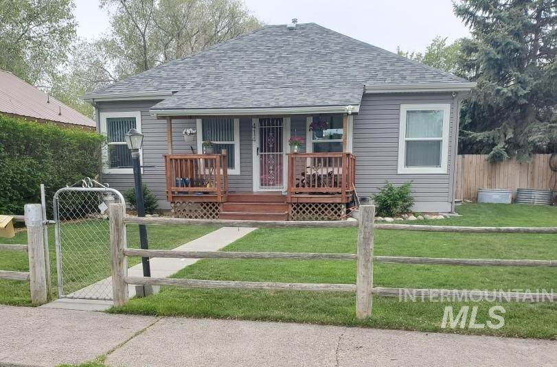 414 4th Ave - Photo 1