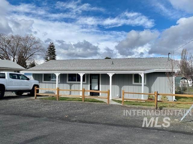 1503 Cedar Ave, Lewiston, ID 83501 (MLS #98793633) :: Juniper Realty Group