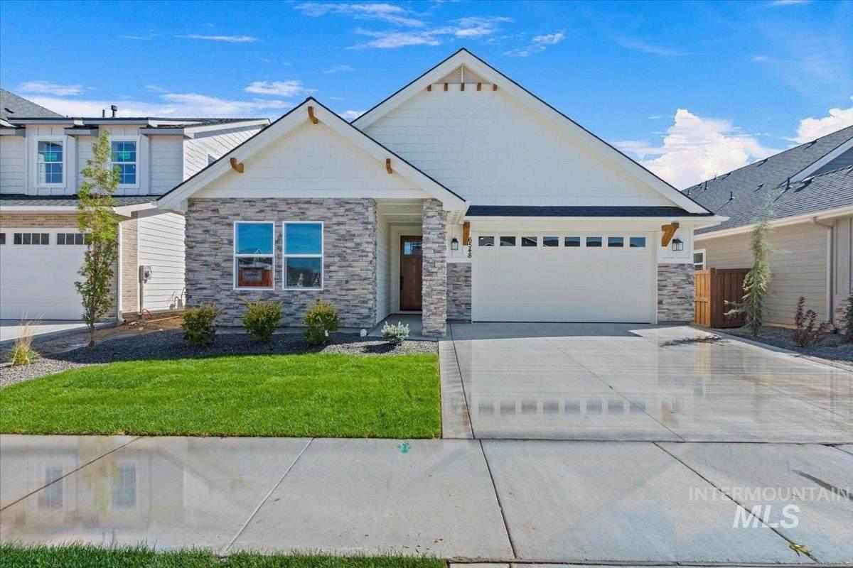6548 N Oakstone Ave - Photo 1