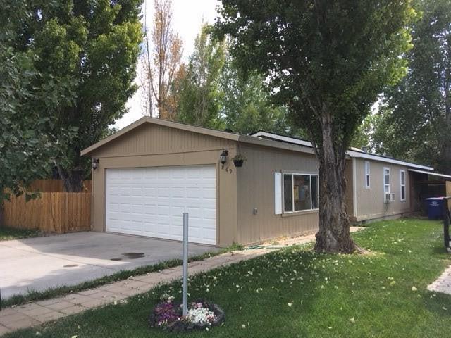 869 Robbins Avenue W, Twin Falls, ID 83301 (MLS #98700493) :: Jon Gosche Real Estate, LLC