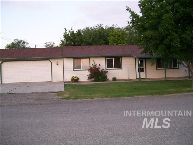 379 S 2nd Ave., Hagerman, ID 83332 (MLS #98725828) :: Juniper Realty Group