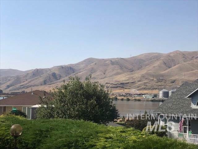 1851 Golfview Dr, Clarkston, WA 99403 (MLS #98740773) :: Navigate Real Estate