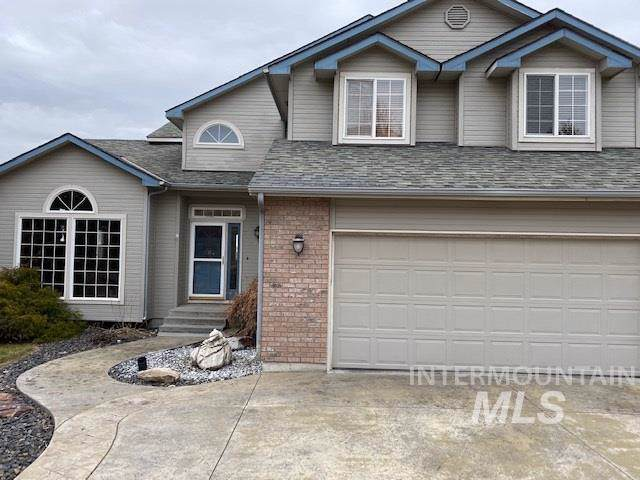 1203 W Quarter Drive, Eagle, ID 83616 (MLS #98754975) :: Givens Group Real Estate