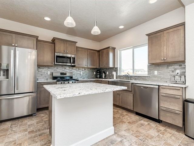 6602 E Fairmount St, Nampa, ID 83687 (MLS #98706785) :: Full Sail Real Estate