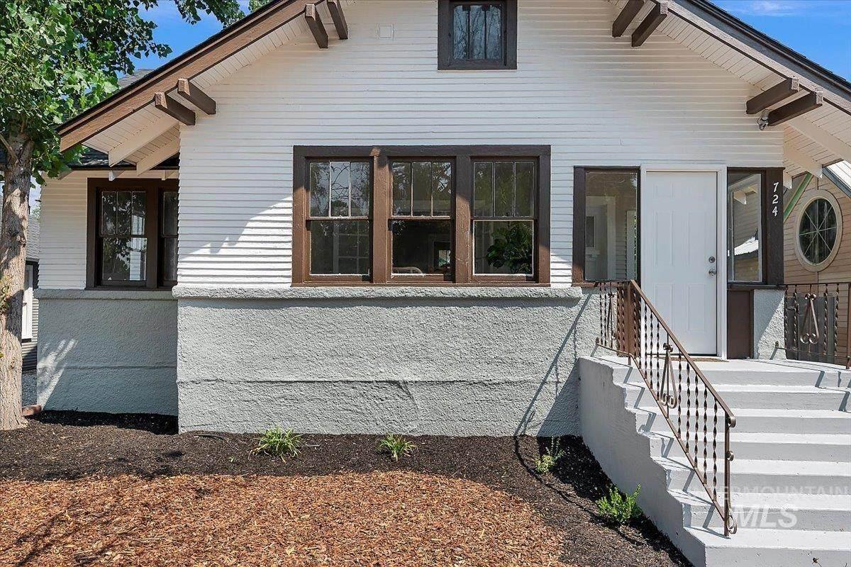 724 Washington Ave - Photo 1