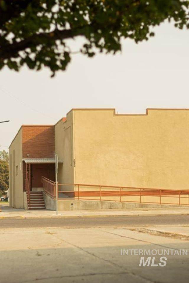 222 Bower Ave - Photo 1