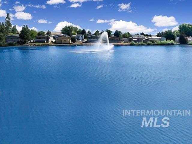 8226 S Blue Rim Ln, Boise, ID 83716 (MLS #98762839) :: Story Real Estate