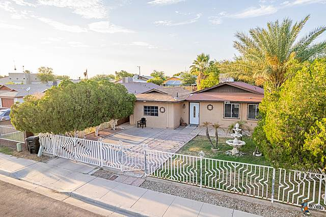 825 Calexico St, Calexico, CA 92231 (MLS #21774172IC) :: Capital Real Estate