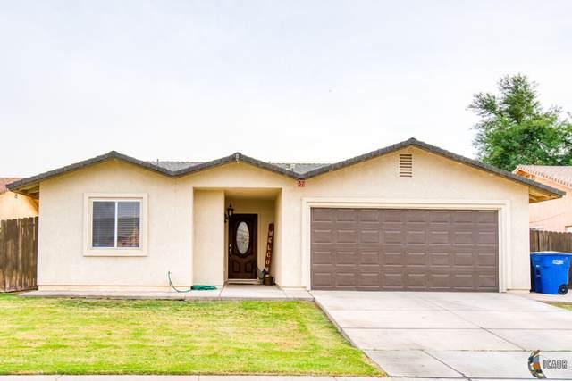 37 E 2nd St, Heber, CA 92249 (MLS #21788078IC) :: Capital Real Estate